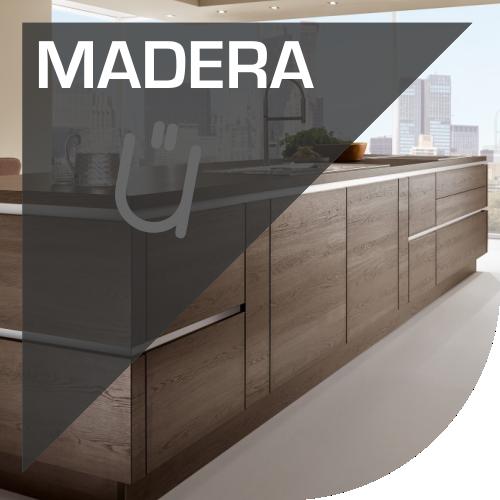 Mobiliario de cocina con tonos madera en Valencia