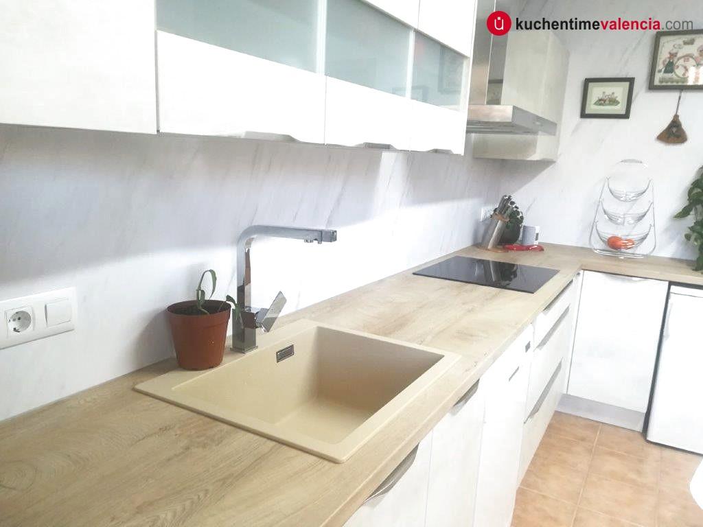 Detalle de bancada en cocina realizada en lliria